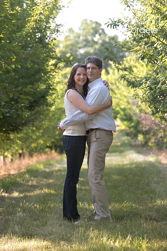 smolak-farm-engagement-photos_03