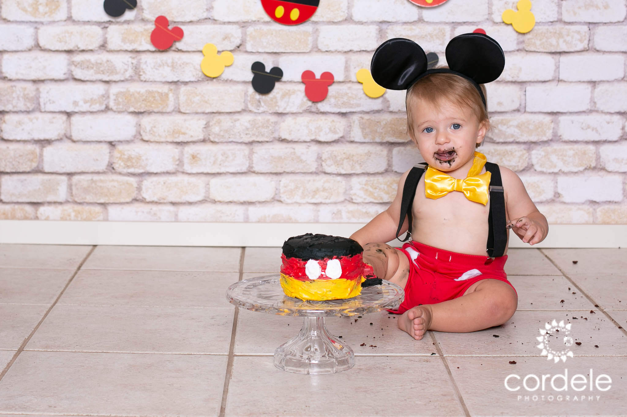 Cake Smash with Mickey Mouse